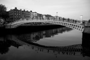 Ha'penny Bridge by Smaragd01