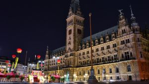 Hamburg - Rathaus 2 by Rainyphoto