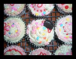 Sweet Deco Cupcakes by Missi-Moonshine