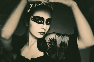 The Black Swan IV by EneKiedis