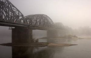 Railway bridge across Vistula by MalheureuxGarcon