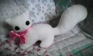 Snowbell - The Pretty Kitty Plushie  /sold by tiny-tea-party
