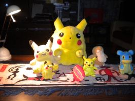 Surfing Pikachu Doll PaperCraft. by ElvisDitto