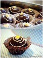 Mocca-Marzipan Chocolates by pandrina
