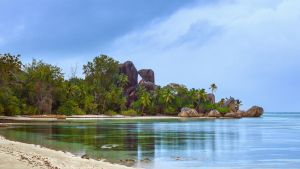 Morning La Digue by fly10