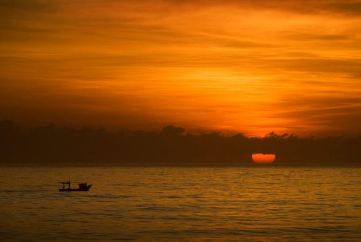 Fishing at dawn. by Chechipe