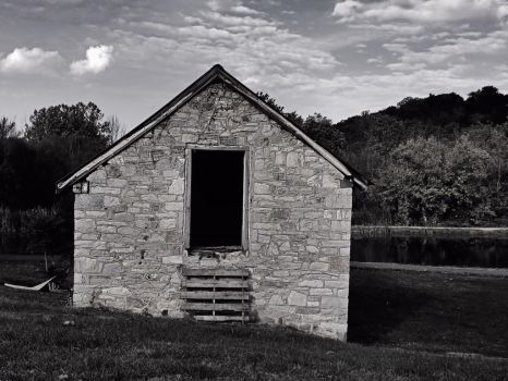 Old shed by NoelZepeda-ART
