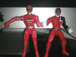 AbareMax and DekaRed Action Figures by DestinyDecade