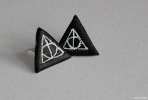 Symbol of deathly hallows. by EamyCross