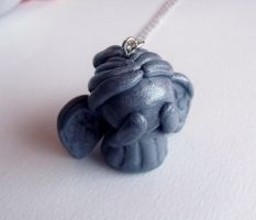 Weeping angel necklace by curry-brocoli