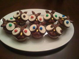 Owl cupcakes by tashinha