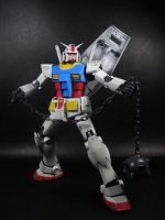 MG Gundam RX-78-2 version 2.0 by garretmasterson