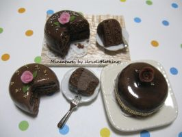 Miniature Chocolate Rose Cakes by ilovelittlethings