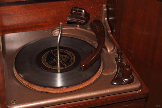 78 rpm Turntable by Vonburgherstein