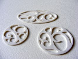 Porcelain pendants by Itherin