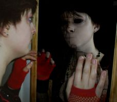 Ghost In The Mirror by ukt0xic
