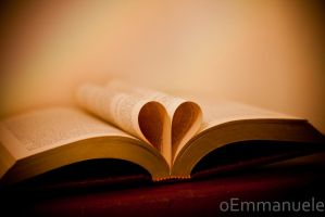 Love through books - Day 39 - 08/02/13 by oEmmanuele