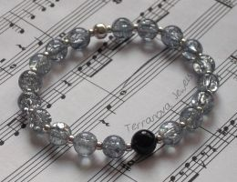 Silver grey and black agate stretch bracelet by TerraNovaJewels