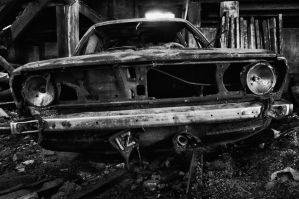 Old car by NunoCanha