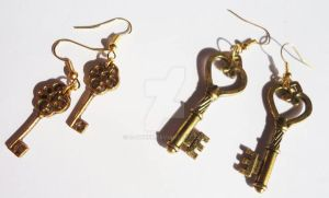 Gold key earrings by s-qweek