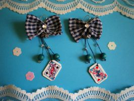 Alice in theWonderland earings by Yakamoz-san
