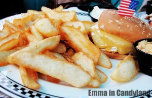 CheeseBurger by Emma-in-candyland