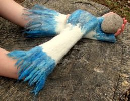 Felted Fingerless Gloves Ice Locks by HandiCraftKate
