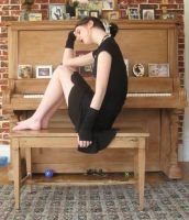 Piano girl 2 by 3corpses-in-A-casket