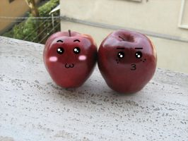 Kawaii Apples. by essereluminoso