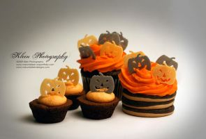 Pumpkin Cakes2 by nklein