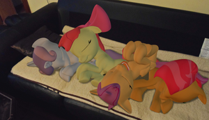 CMC sleep on the couch. by Neros1990