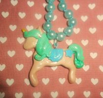 pastel unicorn necklace by Druovna