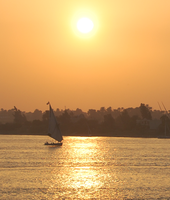 Sunset Across the Nile by Daishine