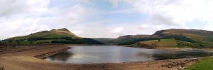 Dovestones Panorama 2 by ScENeYmE