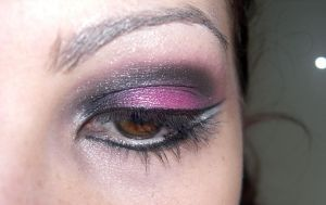 Make up - hot pink by ale-sensee