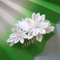 Bridal Dahlia Kanzashi on comb by elblack