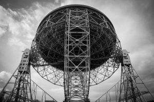 The Lovel radio telescope by Bergspot