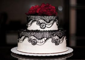 Black Lace Cake by kattikki