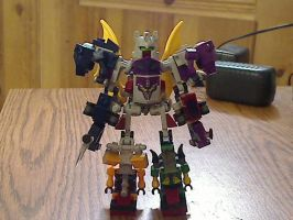 Kre-O Abominus with Blight/Blot added by illiniguy34