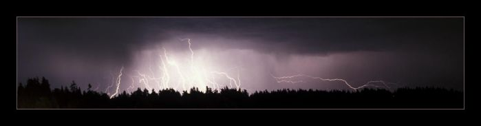 Lightning Panorama by tophyr