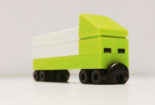 LEGO very very small truck by 7A7E