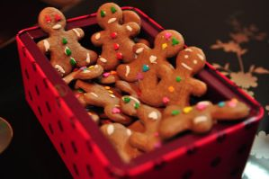 Gingerbread boys by Siripham