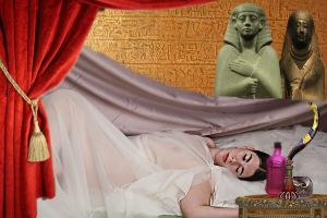 The death of Cleopatra by MarDeAdstra