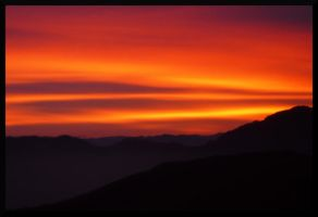 Sunset over the hills by bellaricca