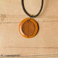Leaf pendant polymer clay by skuggsida