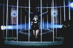 I CAN'T BE TAMED by anyiii