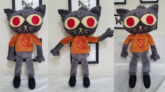 Mae plush by PlushyPuppy