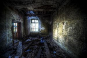 Abandoned VIII by kubica