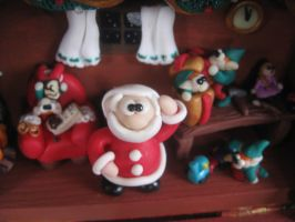 Christmas diorama: Where's my hat? by SelloCreations