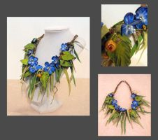 Leather floral blue necklace by julishland